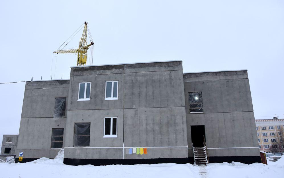 Строителям детсадов в Костроме велено ускорить прокладку сетей