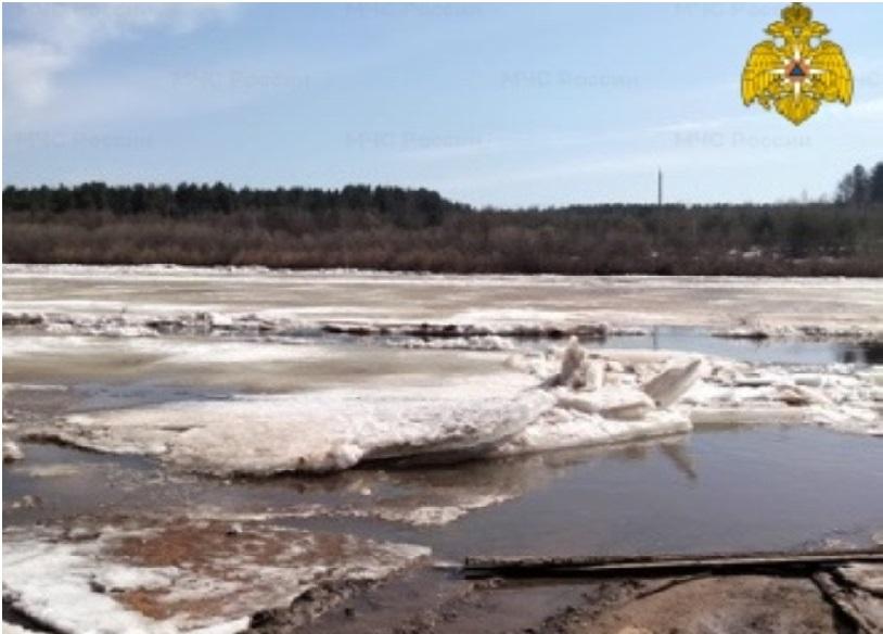 Село Михайловица в Костромской области осталось без моста