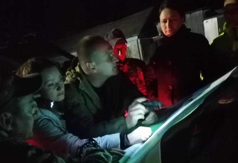 Двух женщин оперативно отыскали ночью в костромском лесу