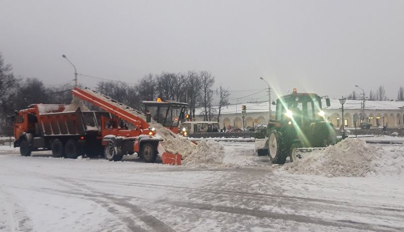 Из Костромы за ночь вывезли 3 тысячи кубов снега