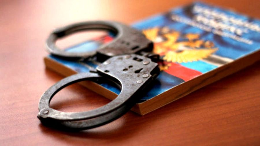 Ради премии костромской экс-полицейский незаконно наказал свою родню