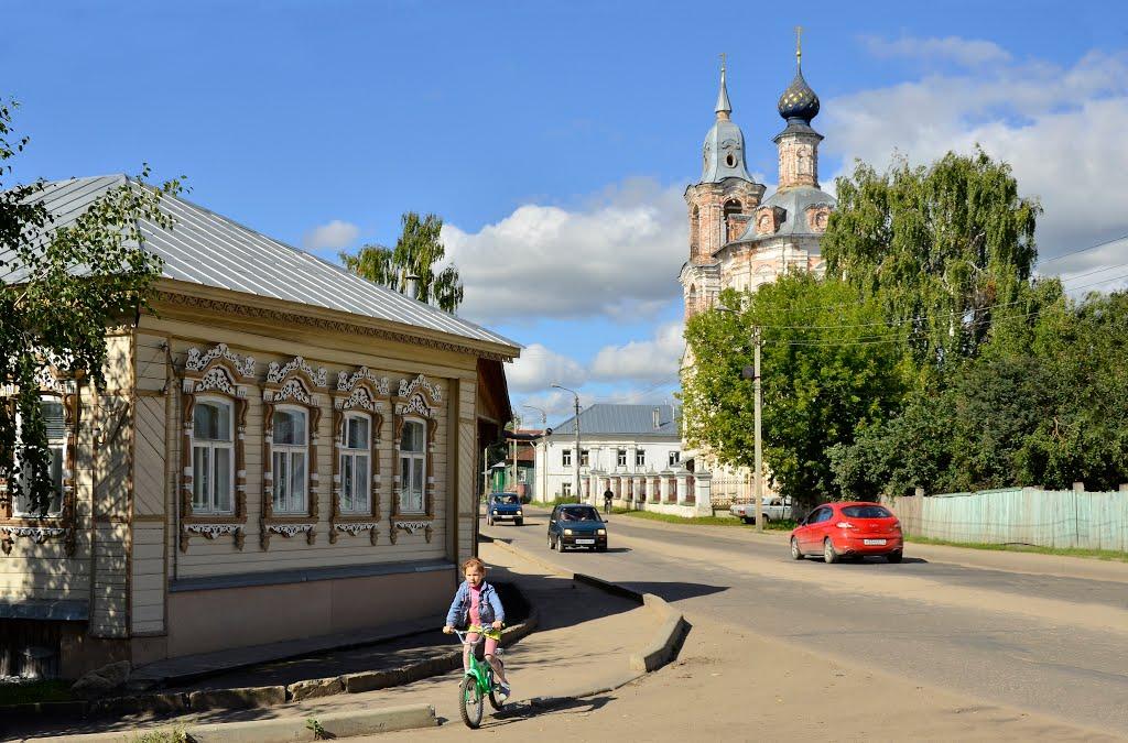 Главные улицы костромского города-музея закатают новым асфальтом