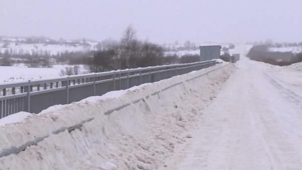 Чинить мост через реку Вочь в Костромской области продолжат в мае