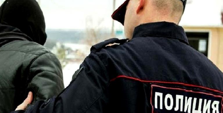 Юному дебоширу из Мантурова грозит срок за драку с полицейским