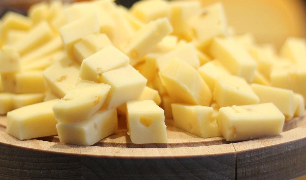 Славный город Кострома, в закромах полно… сыра!