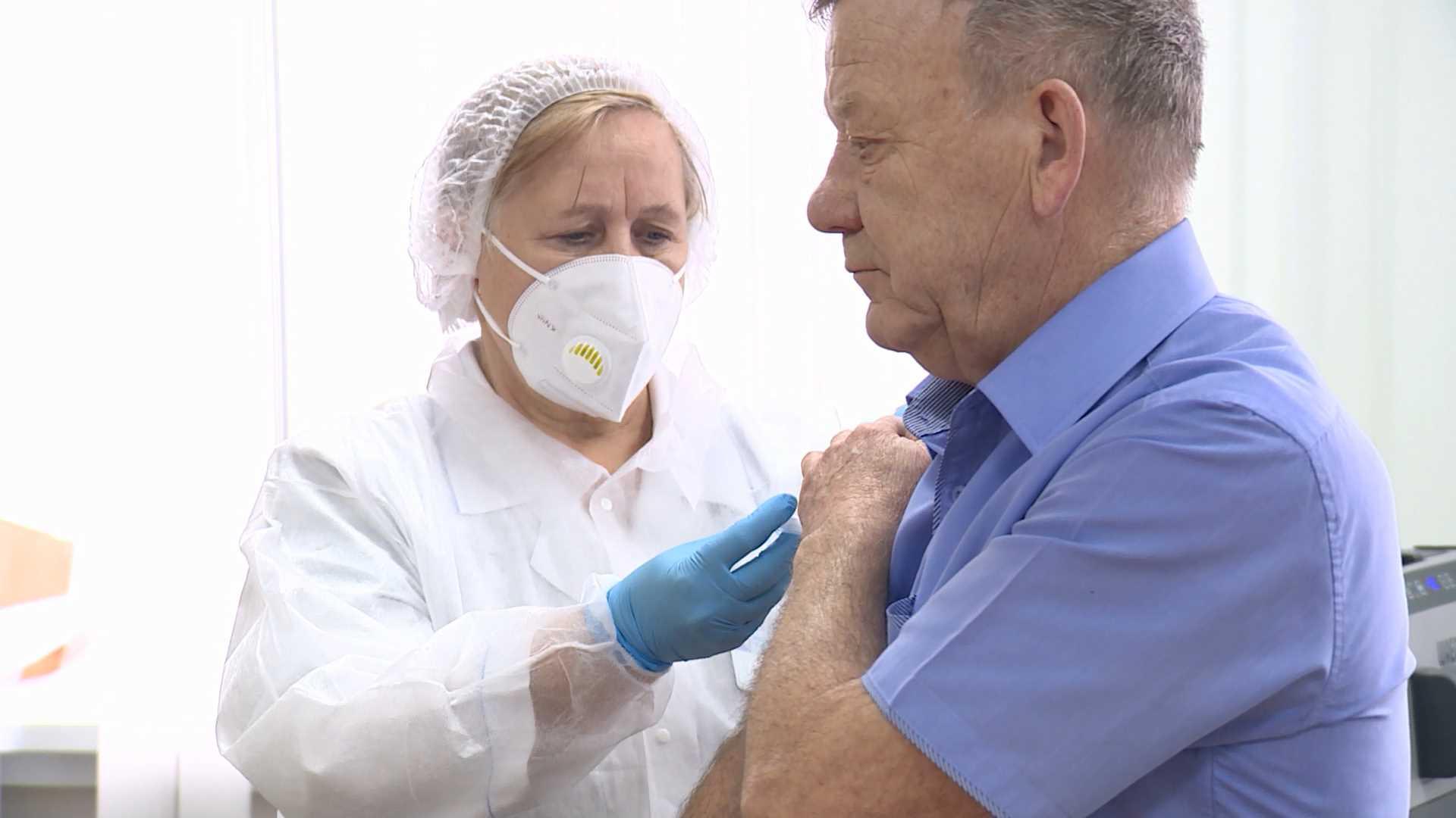 Депздрав: прививки от коронавируса сделали 11 тысяч костромичей