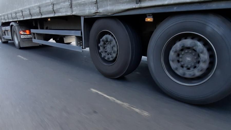 В Костромской области начал действовать запрет на передвижение большегрузного транспорта