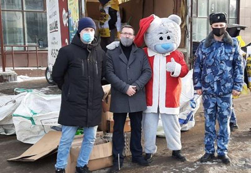 Сотрудники костромского СИЗО сдали пластик для помощи больному ребенку
