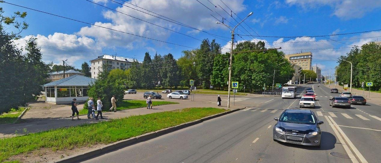 В Костроме делают новый выезд с бульвара Петрковский на улицу Советскую