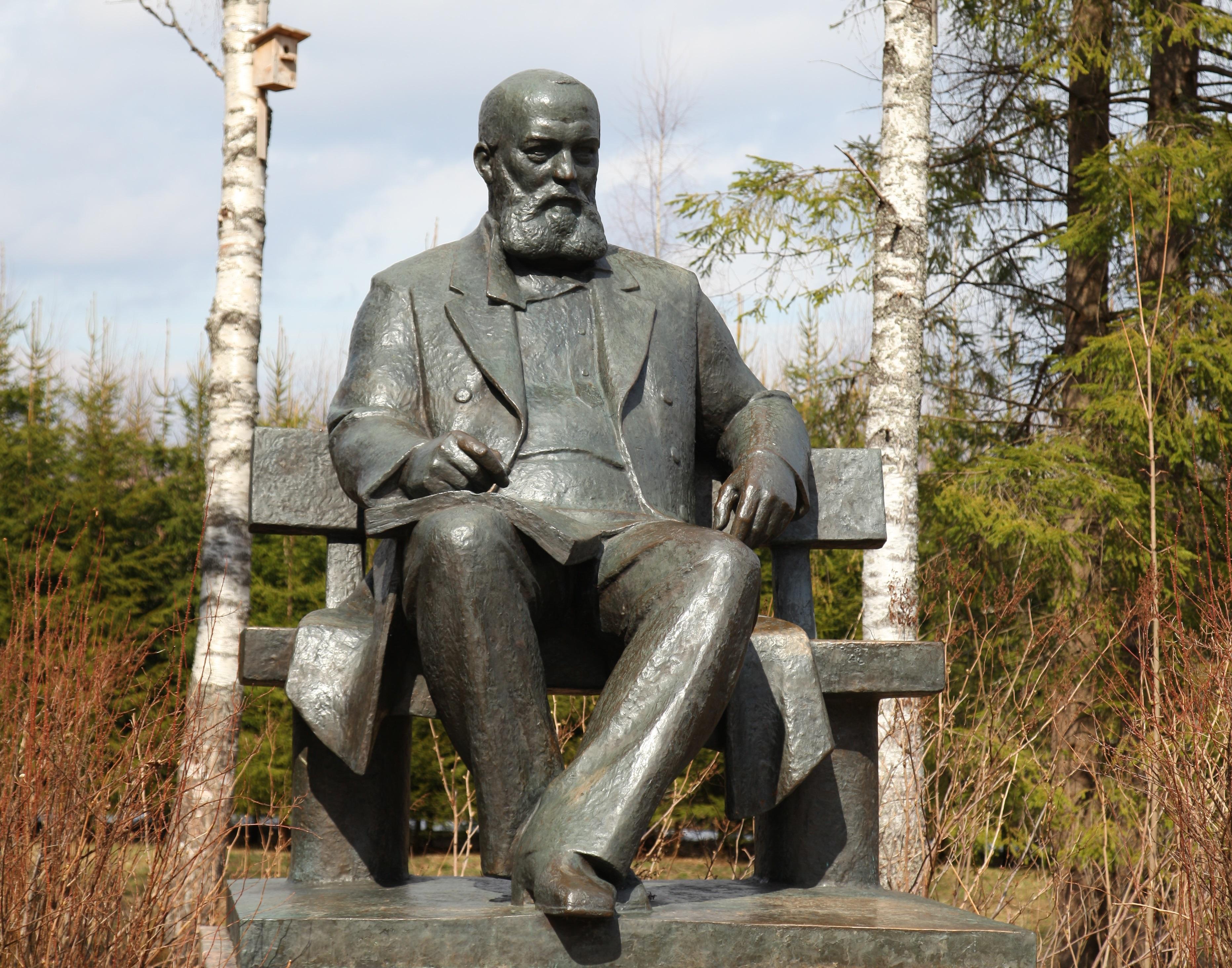 Ко дню рождения знаменитого драматурга в Костромской области испекут «жаворонков»