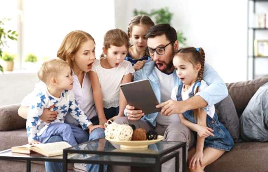 Некоторым костромским семьям могут сохранить выплаты после взросления детей