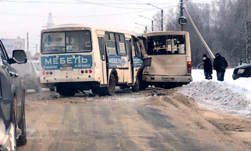 Причиной столкновения автобусов в Костроме могла стать эпилепсия у водителя