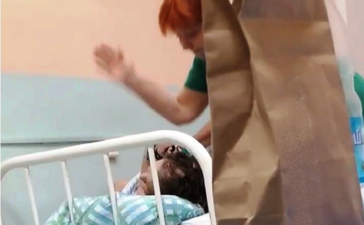Медсестру, побившую пациентку костромской больницы, оштрафовал суд