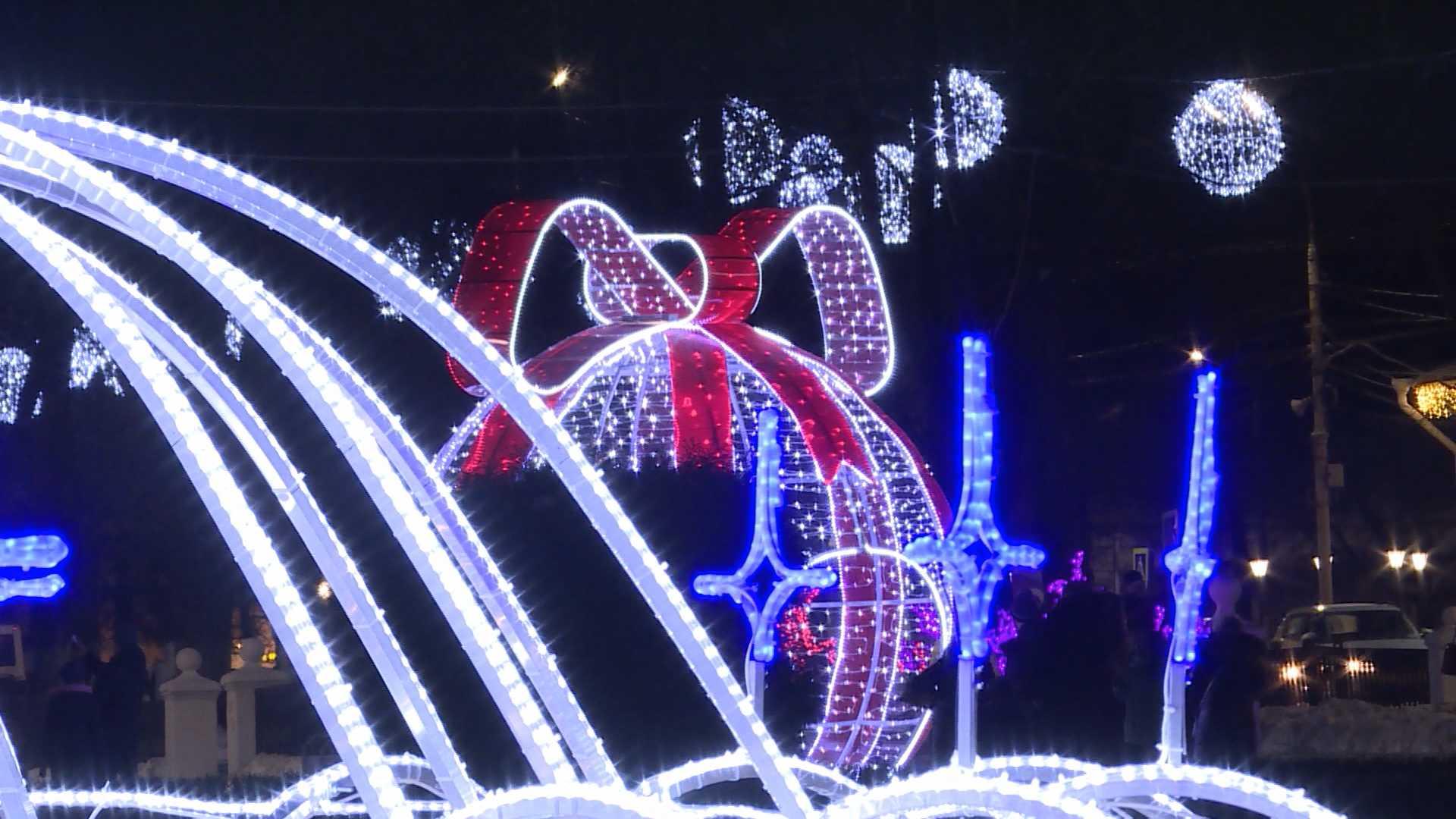 Любоваться на новогодние огни костромичам осталось недолго