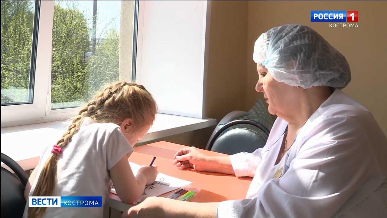 Медсестры костромской детской больницы умеют и в вену попадать, и косы заплетать
