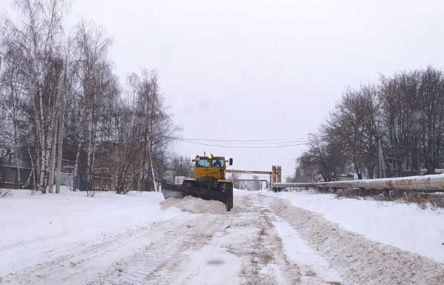 Для буксующих большегрузов в Костроме выделили дежурный трактор