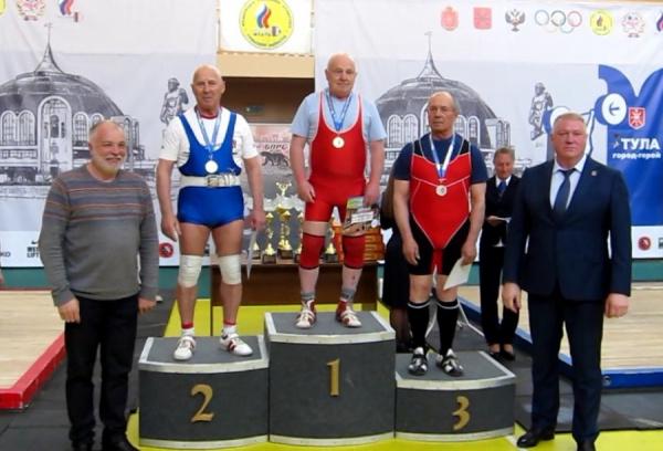 «Серебряные» костромские тяжелоатлеты отличились на Чемпионате России