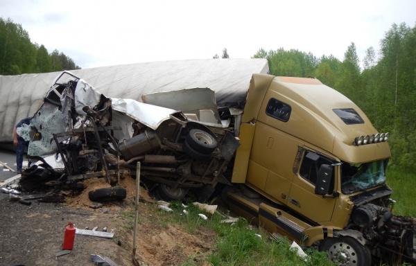В жутком ДТП в Костромской области погиб водитель «Газели»