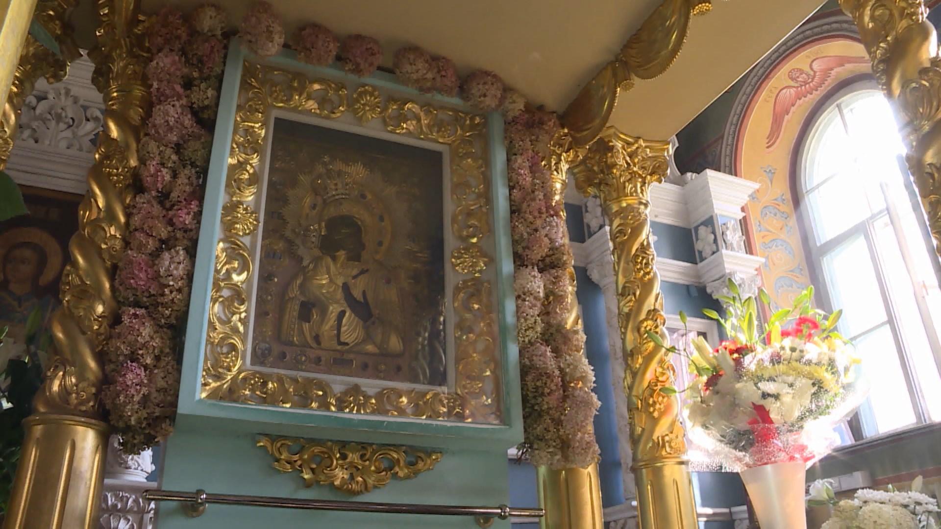 Список чудотворной Феодоровской иконы отправляется из Костромы в Казахстан