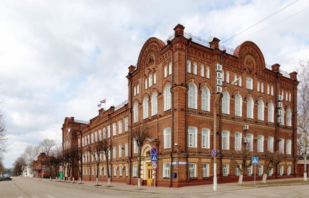 Муниципалитеты Костромской области поделятся с медиками служебными машинами
