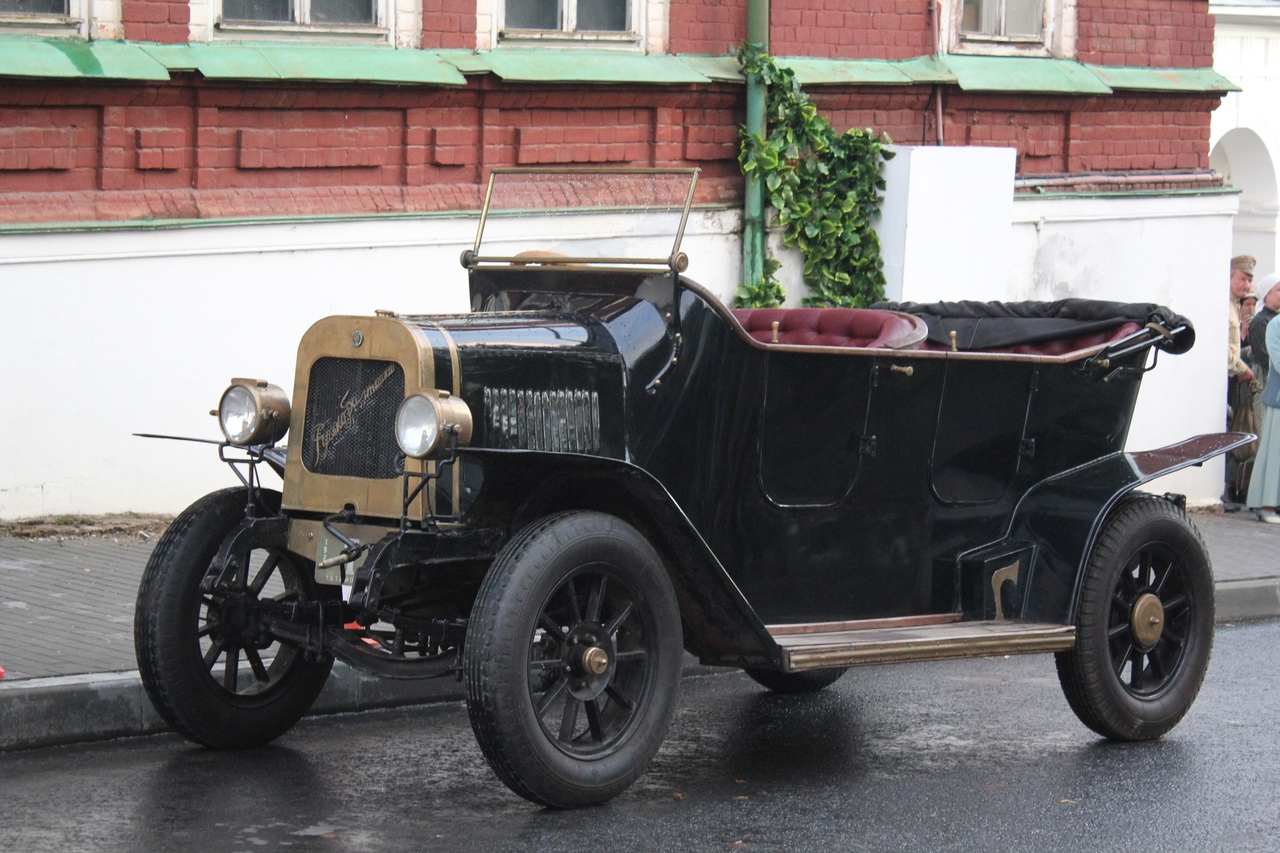 В Костроме из-за кино перекроют на день проезд у Мучных рядов