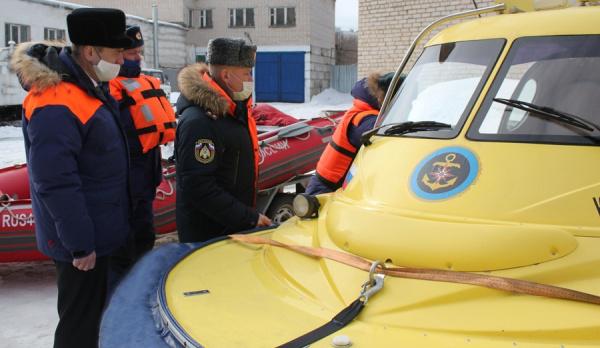 В Костроме проверили готовность спасательной техники к паводку