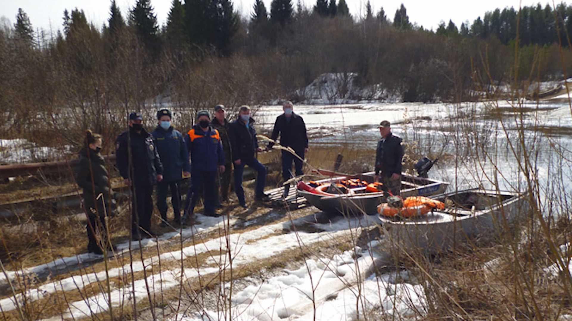 В Солигаличском районе подтопило мост через реку Кострому