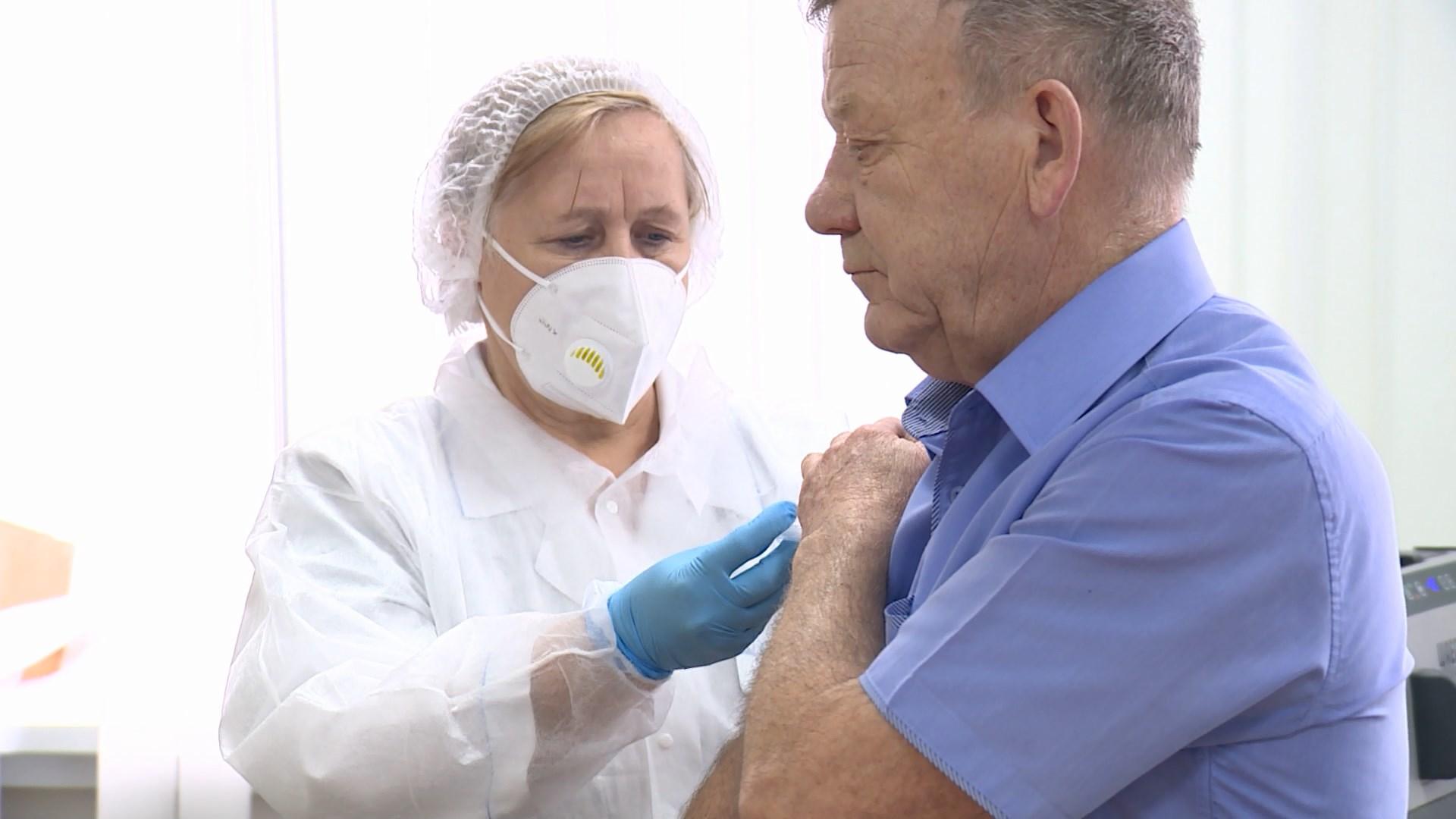 Костромичей приглашают пройти вакцинацию от коронавируса в выходные