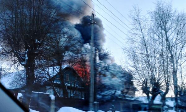 Две квартиры серьёзно пострадали на пожаре в Костроме