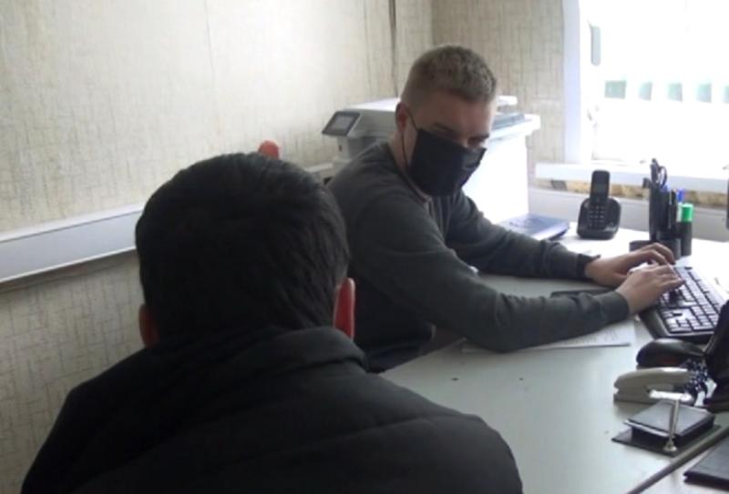 Молодой иностранец променял работу в Москве на костромские наркозакладки