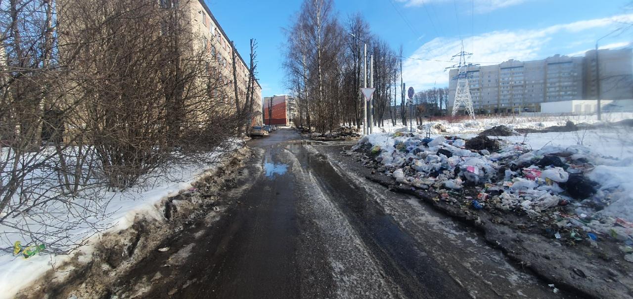 менее часа назад                                                                                                                                                                                                                                                                                               Костромичи не могут смириться с ликвидацией контейнерной площадки                                                                Жильцы многоэтажки упрямо оставляют мусор на том месте, где располагались мусорные контейнеры несколько месяцев назад.