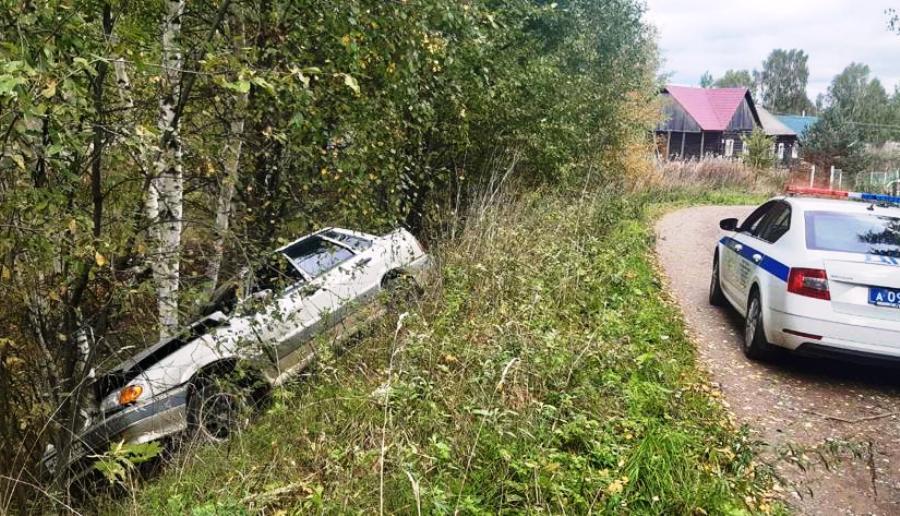 Двое мужчин погибли в дорожной аварии под Костромой