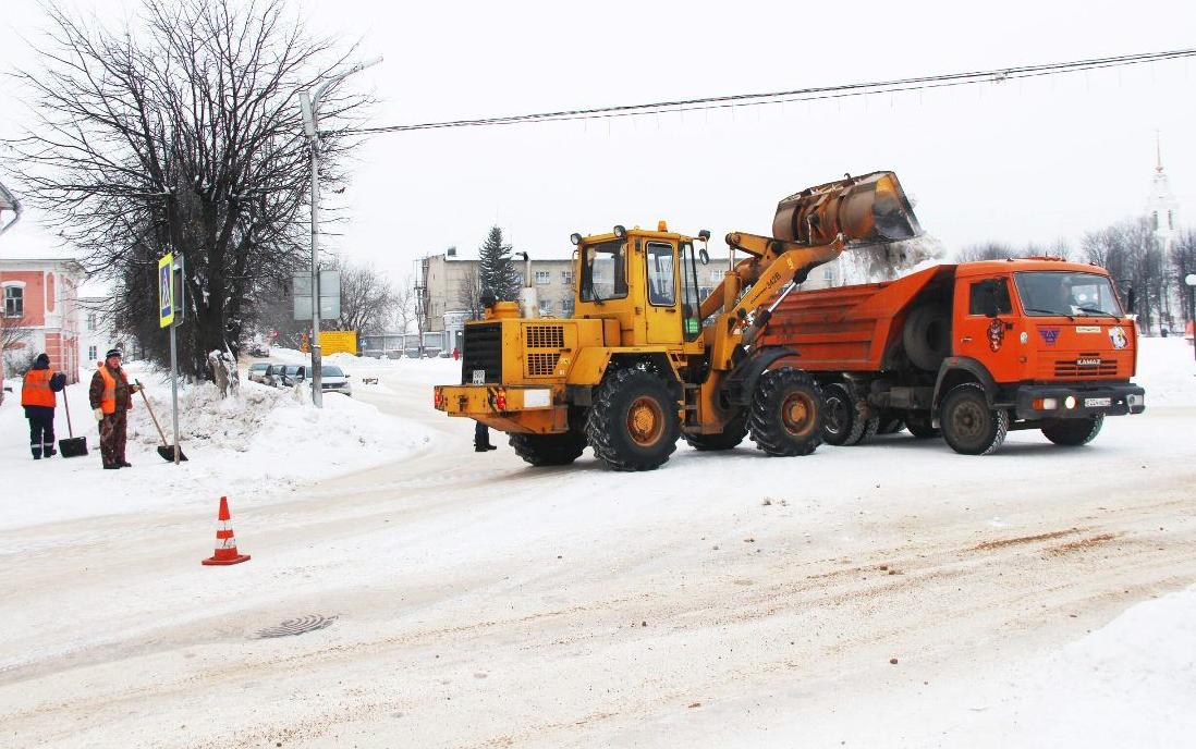 На дороги Костромской области высыпали почти 1000 тонн реагентов за сутки