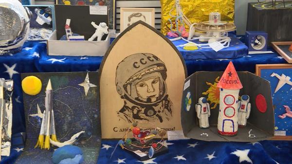 Костромские дети создали около двухсот космических картин и моделей