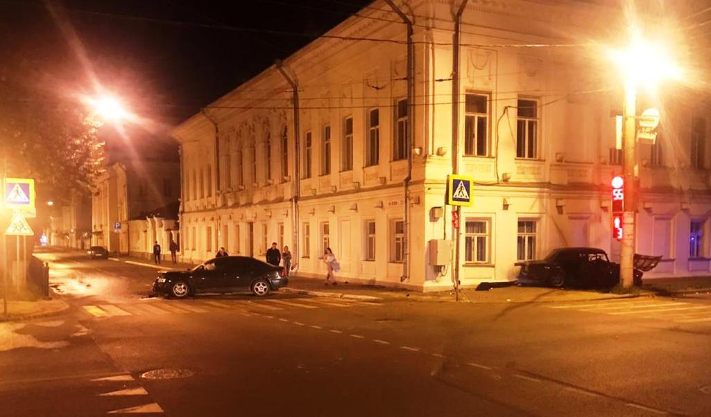 В Костроме «семёрка» затормозила об Колледж культуры