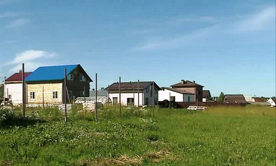 Ещё 27 костромских многодетных семей получили бесплатную землю