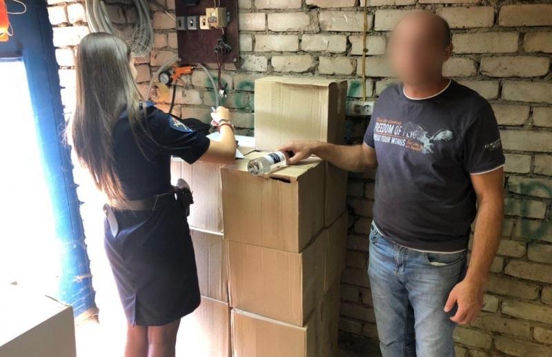 Полицейские изъяли 700 литров алкоголя у жуликоватого костромича