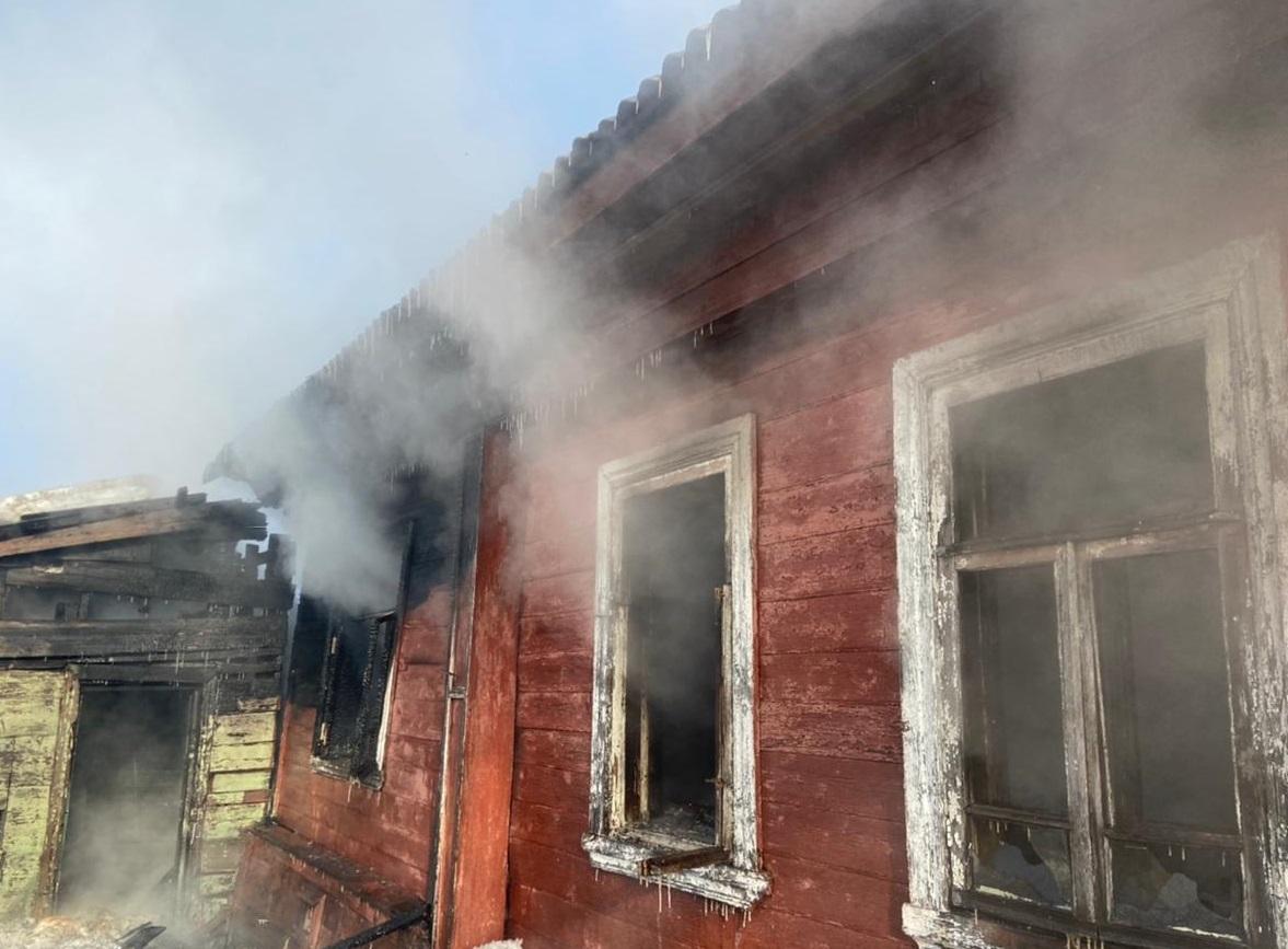 На пожаре в Костромской области погиб немолодой мужчина