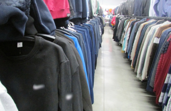 Владелец магазина под Костромой торговал ненастоящей одеждой