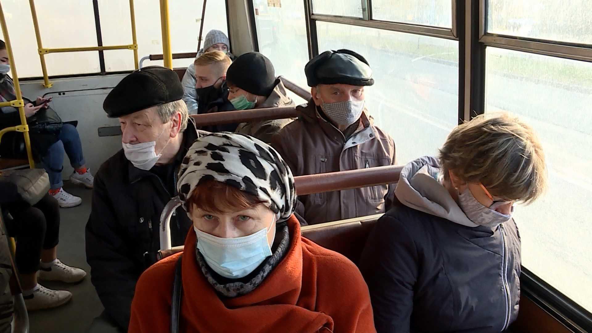 В Костроме продолжаются проверки масочного режима