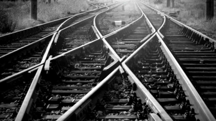 Нерадивый костромской железнодорожник уронил три вагона