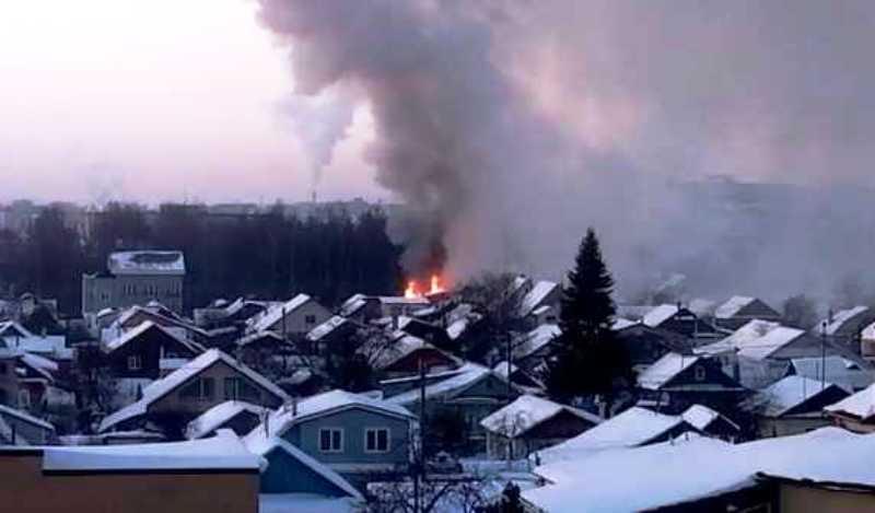 На улице Центральной в Костроме загорелся жилой дом