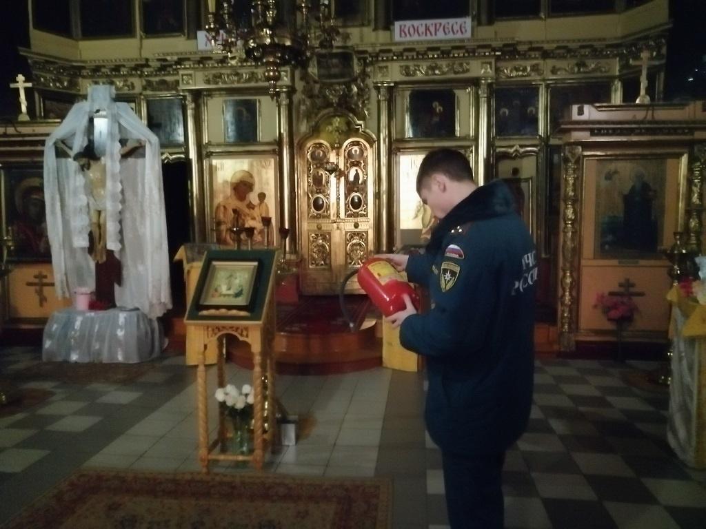 Пожарные проверили костромские церкви на безопасность