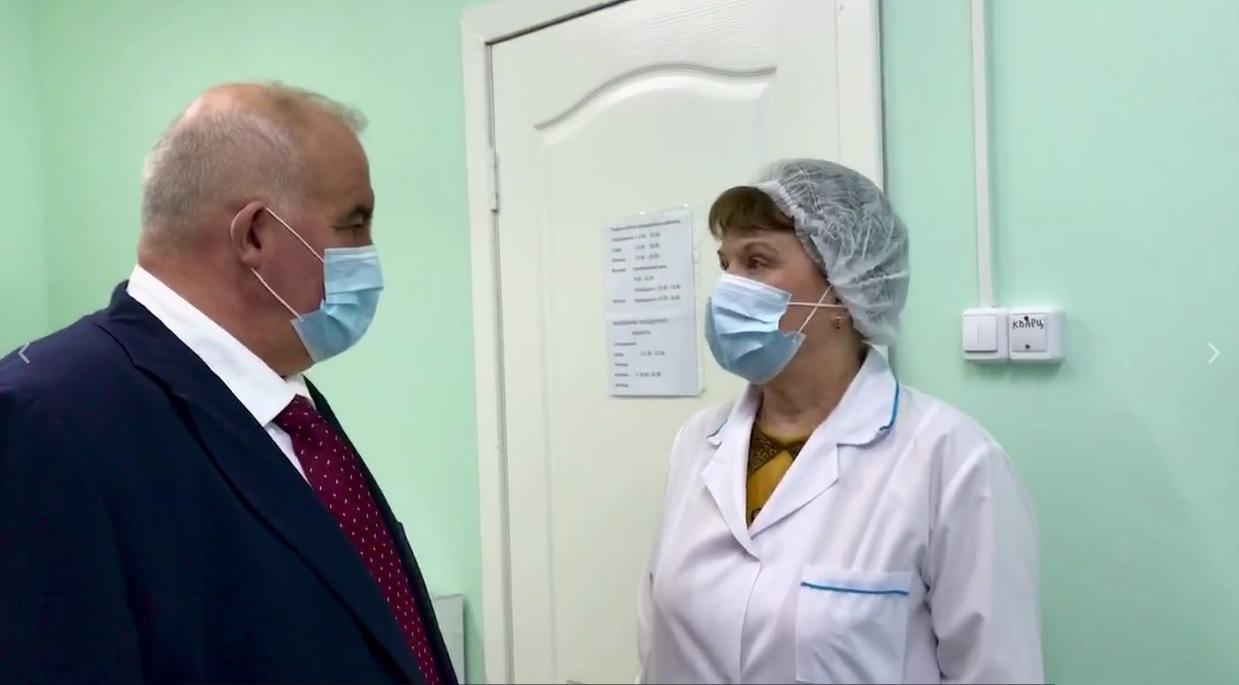 Сергей Ситников лично оценил условия вакцинации от коронавируса на селе
