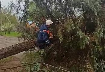 Ветер в Костромской области повредил газовую станцию и снес вышку связи