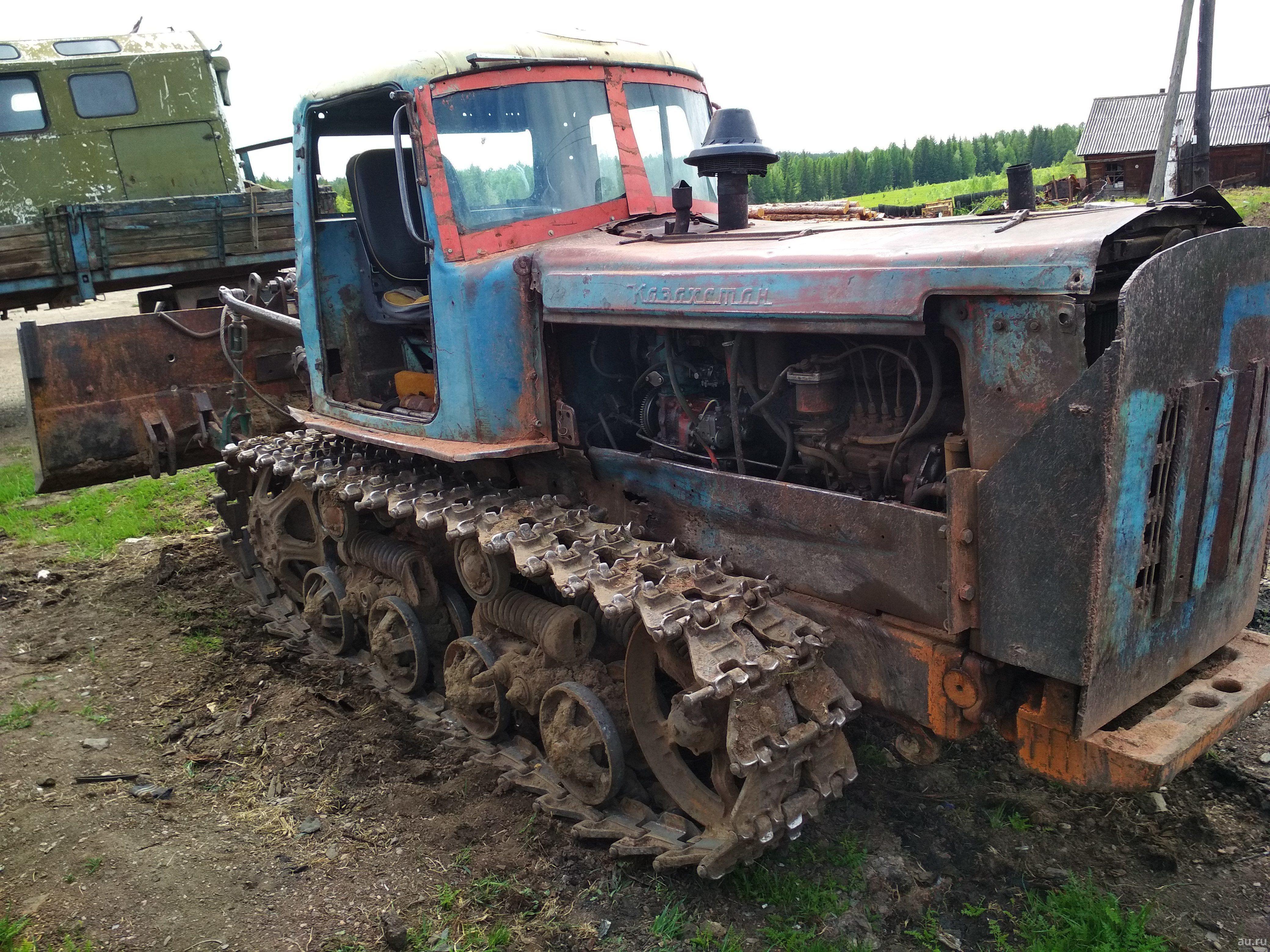 Принц на тракторе потешил подругу в Солигаличе