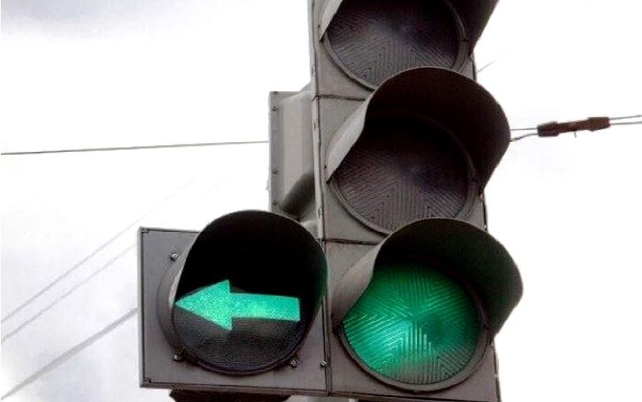 Новый светофор со стрелкой появился в костромском Заволжье