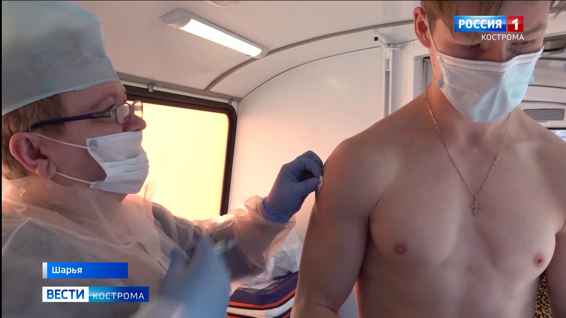 Прививки в торговых центрах становятся нормой в Костромской области