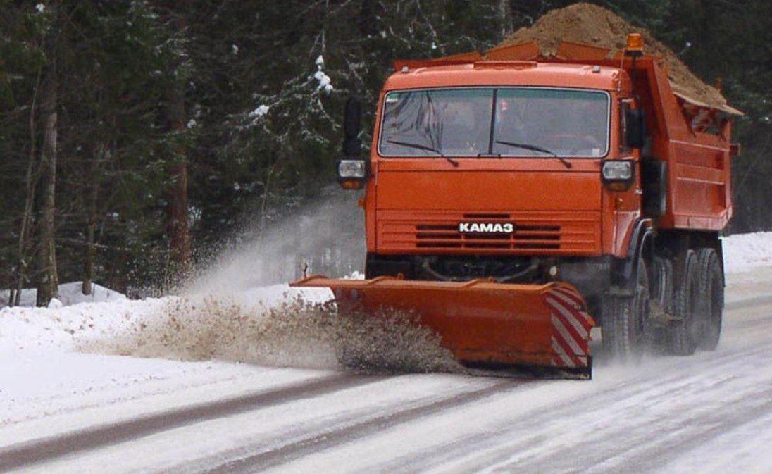 Костромские дорожники вышли на тропу войны со снегом