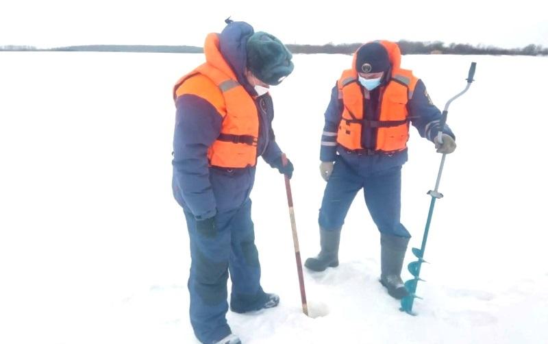 В МЧС оценили толщину льда на костромских водоёмах